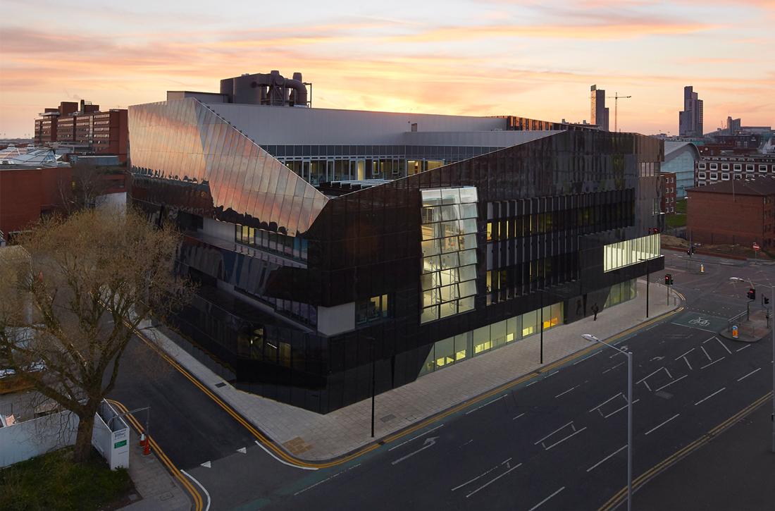 Thumbnail National Graphene Institute / 3