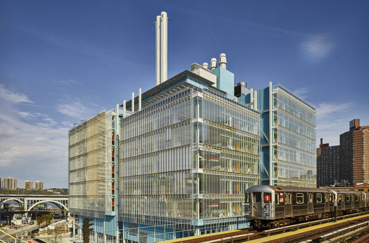 Thumbnail LEED gold rated Jerome L. Greene Science Center seen from the 125th Street 1 train subway platform.